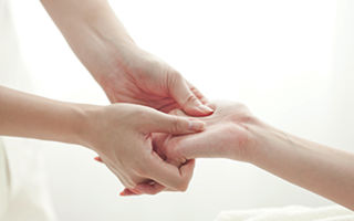 Как разрабатывать руку после перелома лучевой кости?